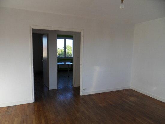 Appartement à louer 4 68.91m2 à La Rochelle vignette-4