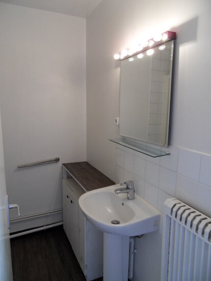 Appartement à louer 4 68.91m2 à La Rochelle vignette-5