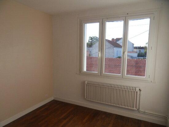 Appartement à louer 4 68.91m2 à La Rochelle vignette-6
