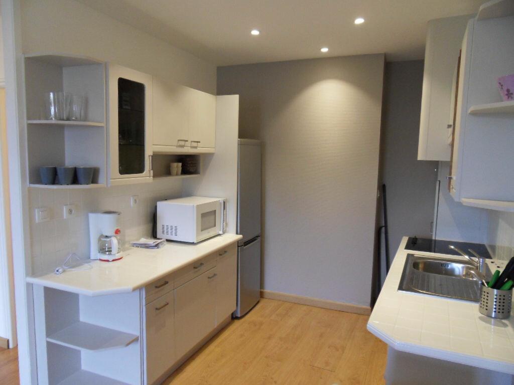 Appartement à louer 2 42.85m2 à La Rochelle vignette-4