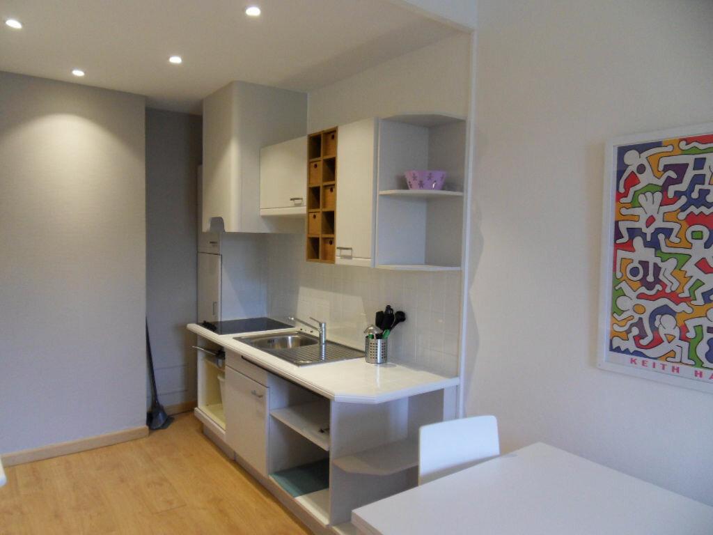 Appartement à louer 2 42.85m2 à La Rochelle vignette-5