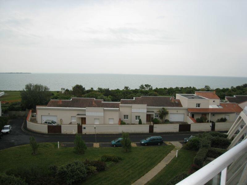 Appartement à louer 3 83.2m2 à La Rochelle vignette-1