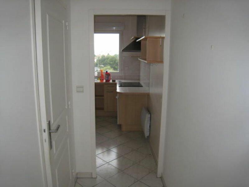 Appartement à louer 3 83.2m2 à La Rochelle vignette-4