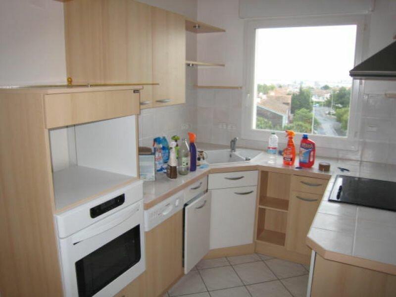 Appartement à louer 3 83.2m2 à La Rochelle vignette-5