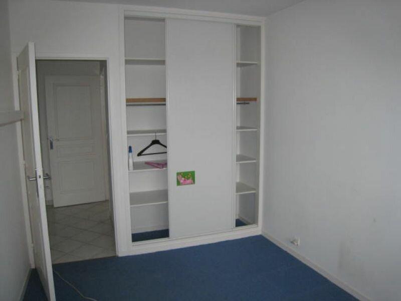 Appartement à louer 3 83.2m2 à La Rochelle vignette-7
