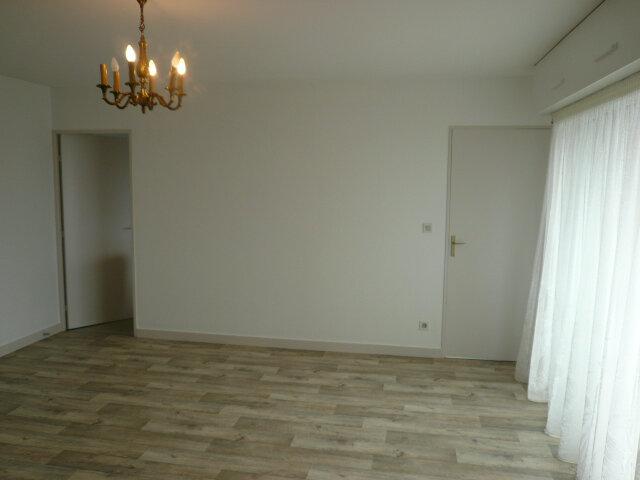 Appartement à louer 3 80.71m2 à La Rochelle vignette-1