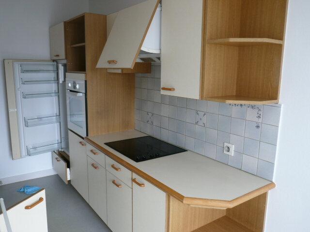 Appartement à louer 3 80.71m2 à La Rochelle vignette-3
