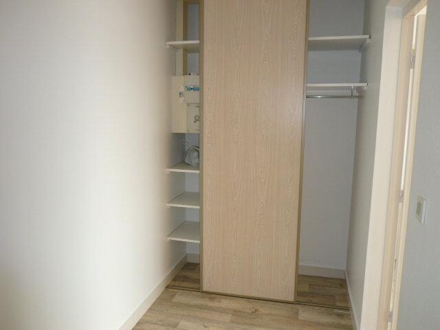 Appartement à louer 3 80.71m2 à La Rochelle vignette-6