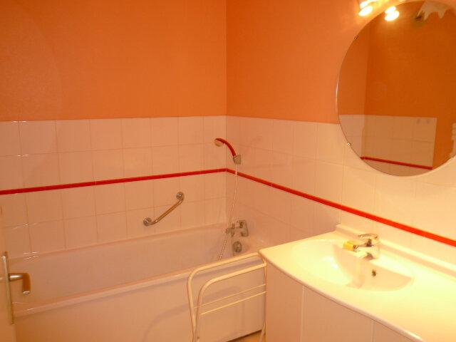 Appartement à louer 3 80.71m2 à La Rochelle vignette-7