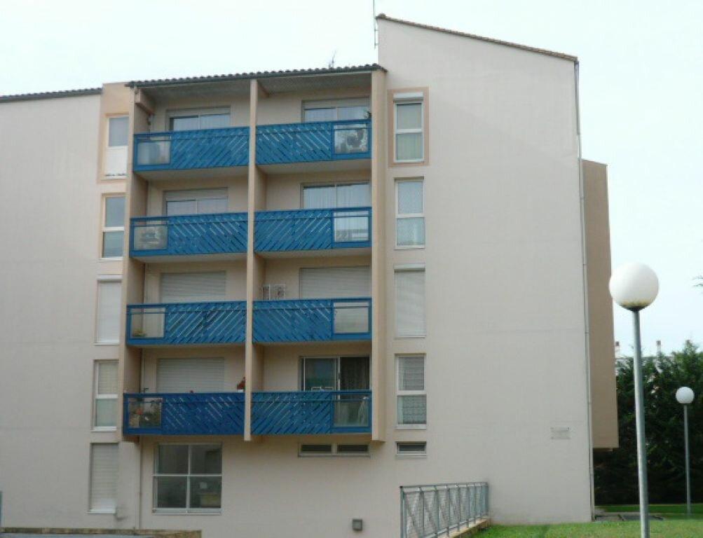 Appartement à louer 3 80.71m2 à La Rochelle vignette-10