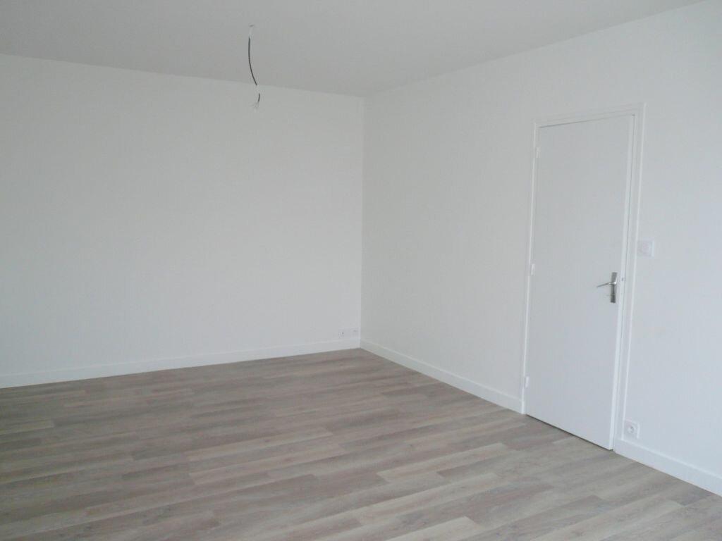 Appartement à louer 4 81.05m2 à Angoulins vignette-9