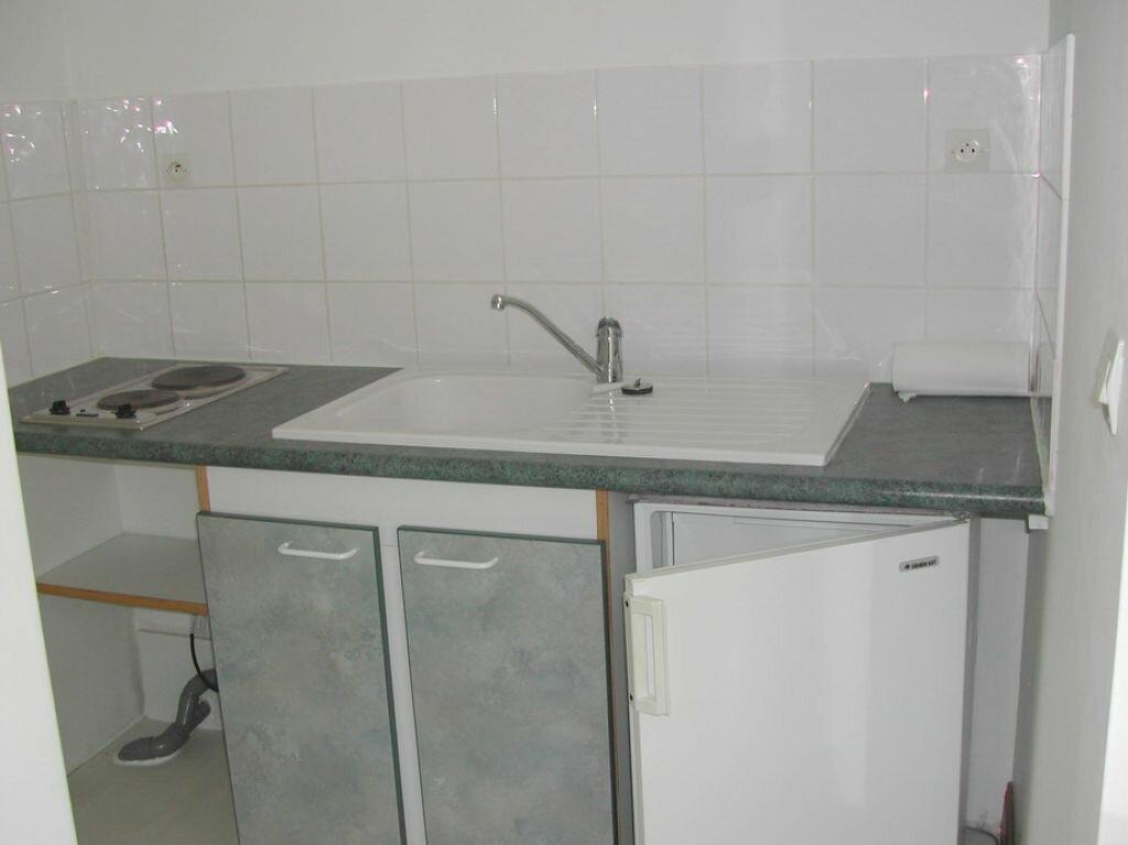 Appartement à louer 1 24.2m2 à La Rochelle vignette-2