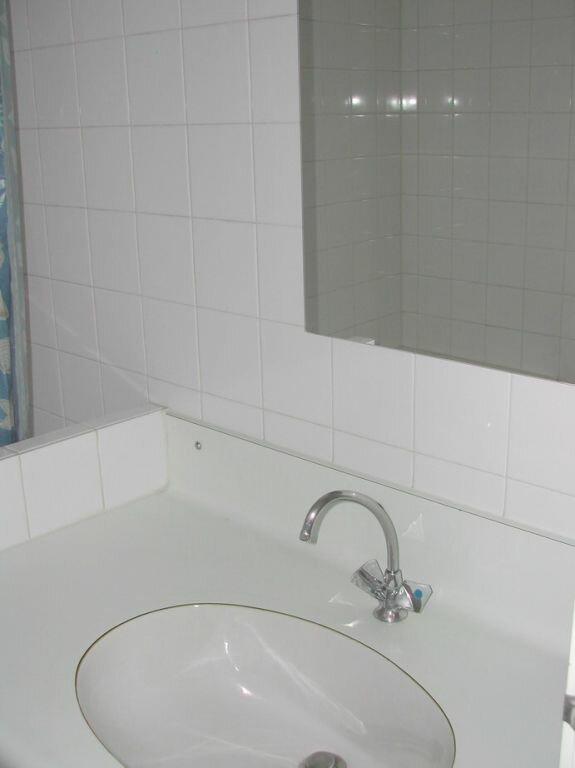 Appartement à louer 1 24.2m2 à La Rochelle vignette-4