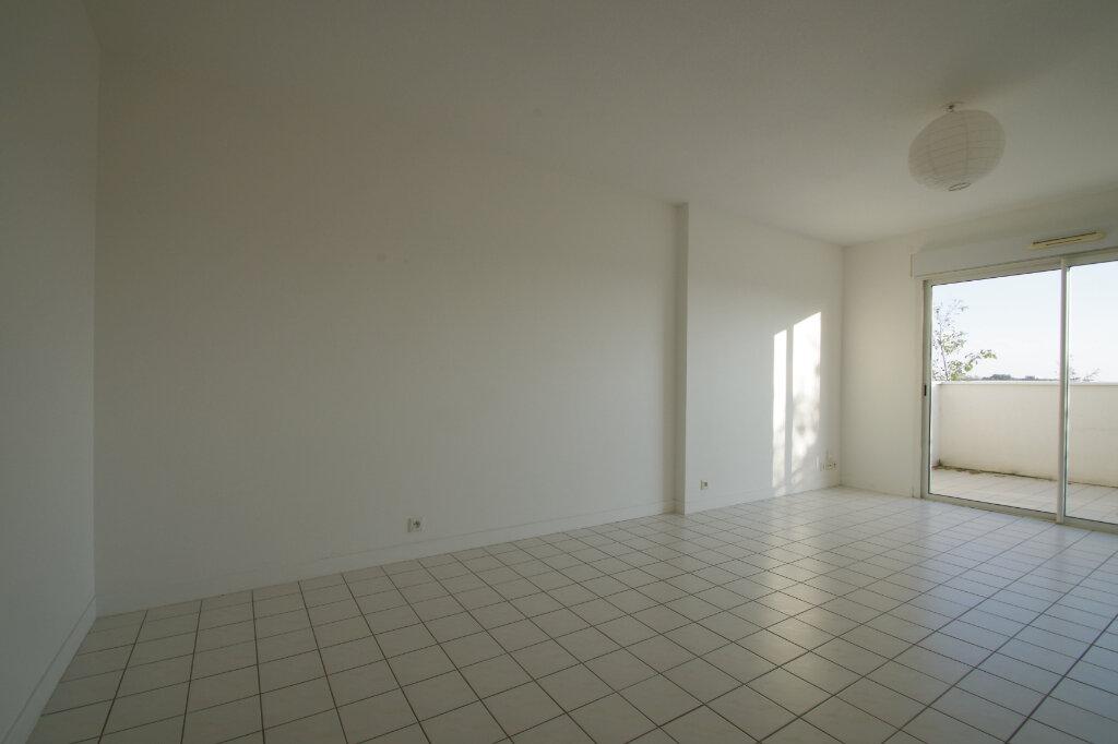 Appartement à louer 2 46.01m2 à La Rochelle vignette-1