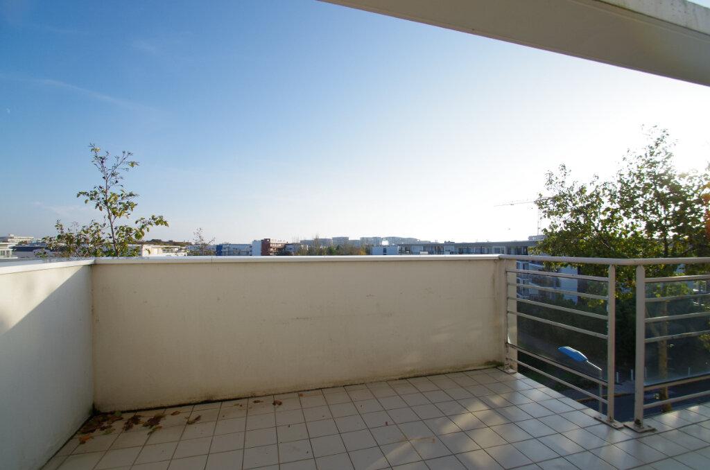 Appartement à louer 2 46.01m2 à La Rochelle vignette-12