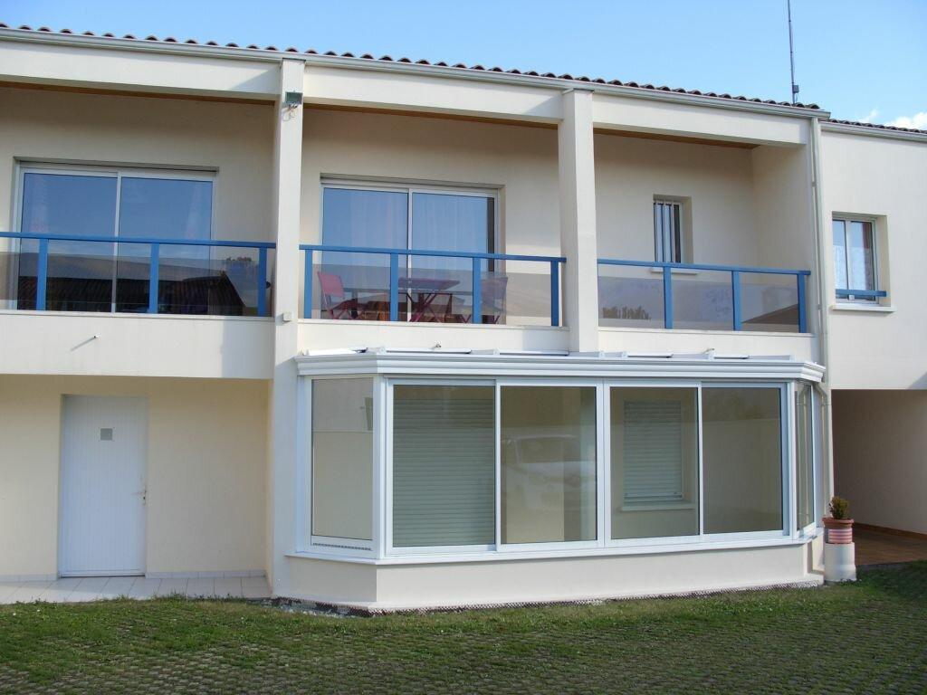 Appartement à louer 2 39.2m2 à La Rochelle vignette-1