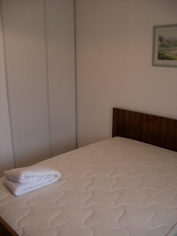 Appartement à louer 2 39.2m2 à La Rochelle vignette-3