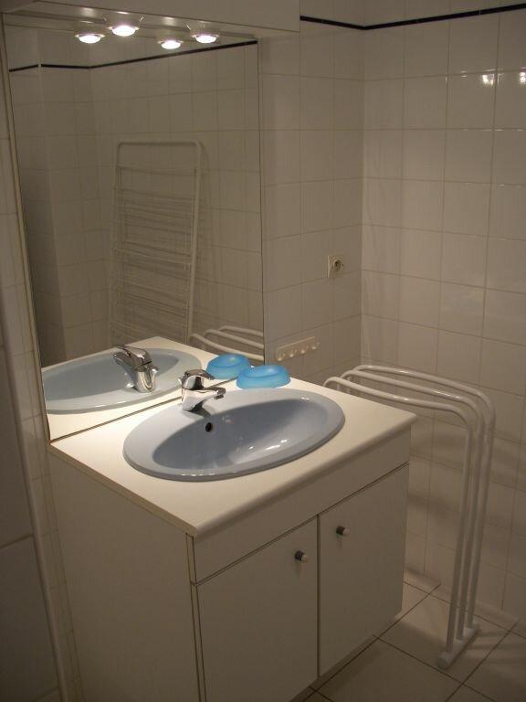 Appartement à louer 2 39.2m2 à La Rochelle vignette-4
