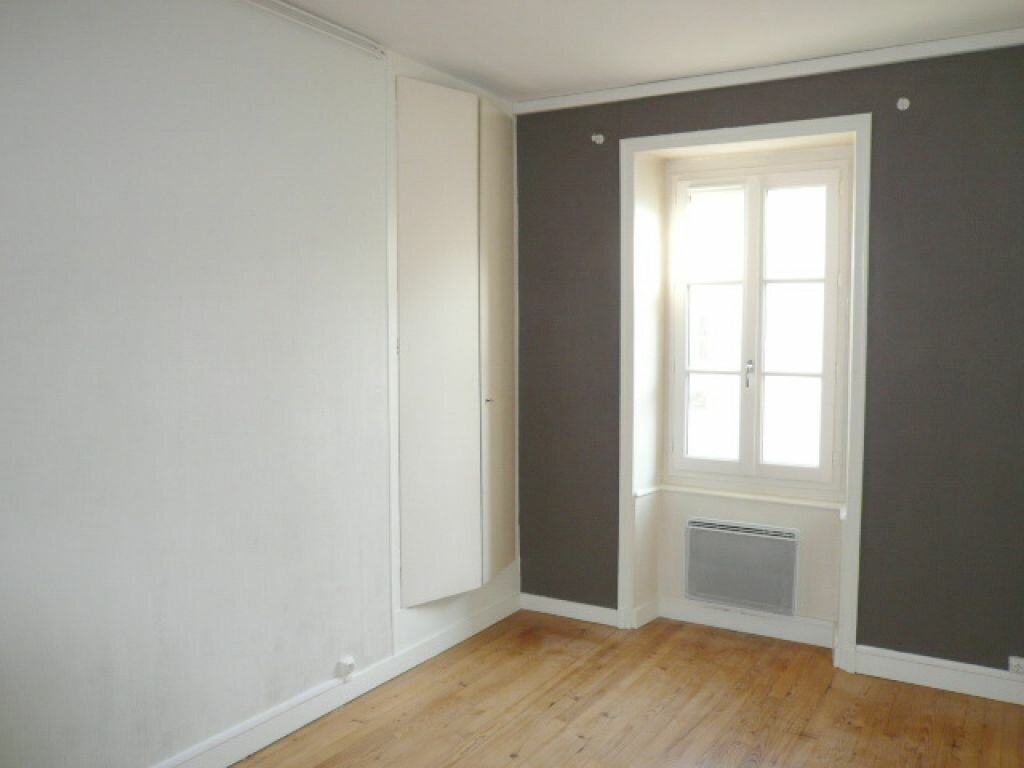Appartement à louer 3 68.72m2 à La Rochelle vignette-5
