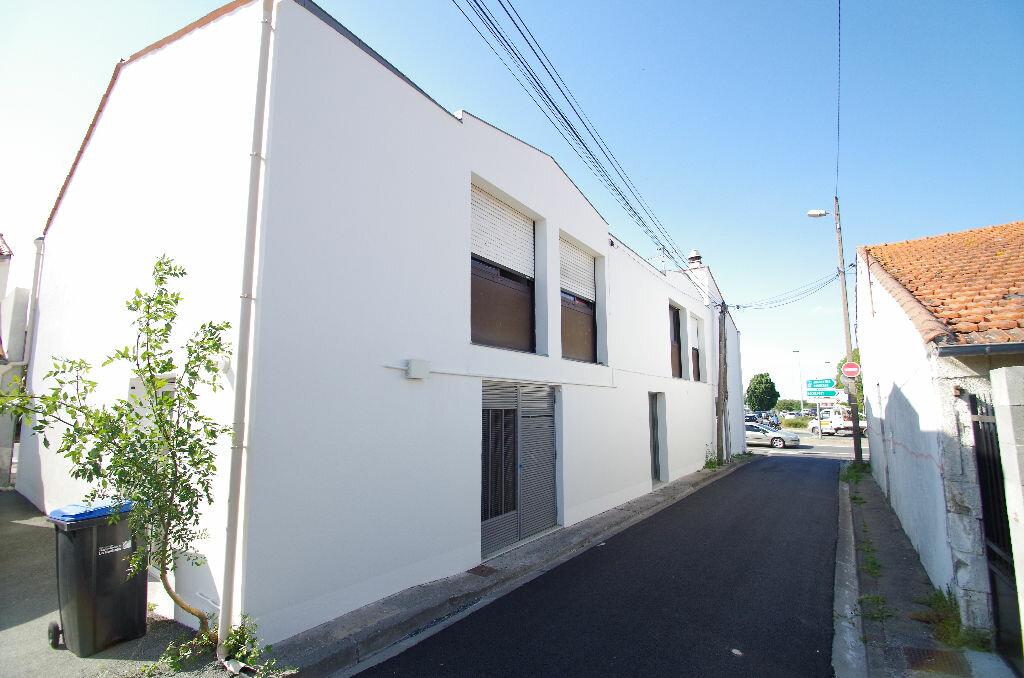 Appartement à louer 1 29.84m2 à La Rochelle vignette-6