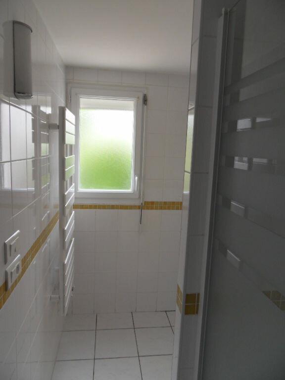 Appartement à louer 1 25.05m2 à La Rochelle vignette-6