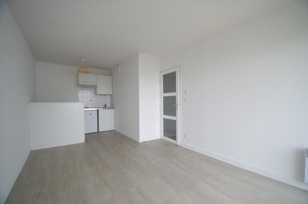 Appartement à louer 2 35.55m2 à La Rochelle vignette-1