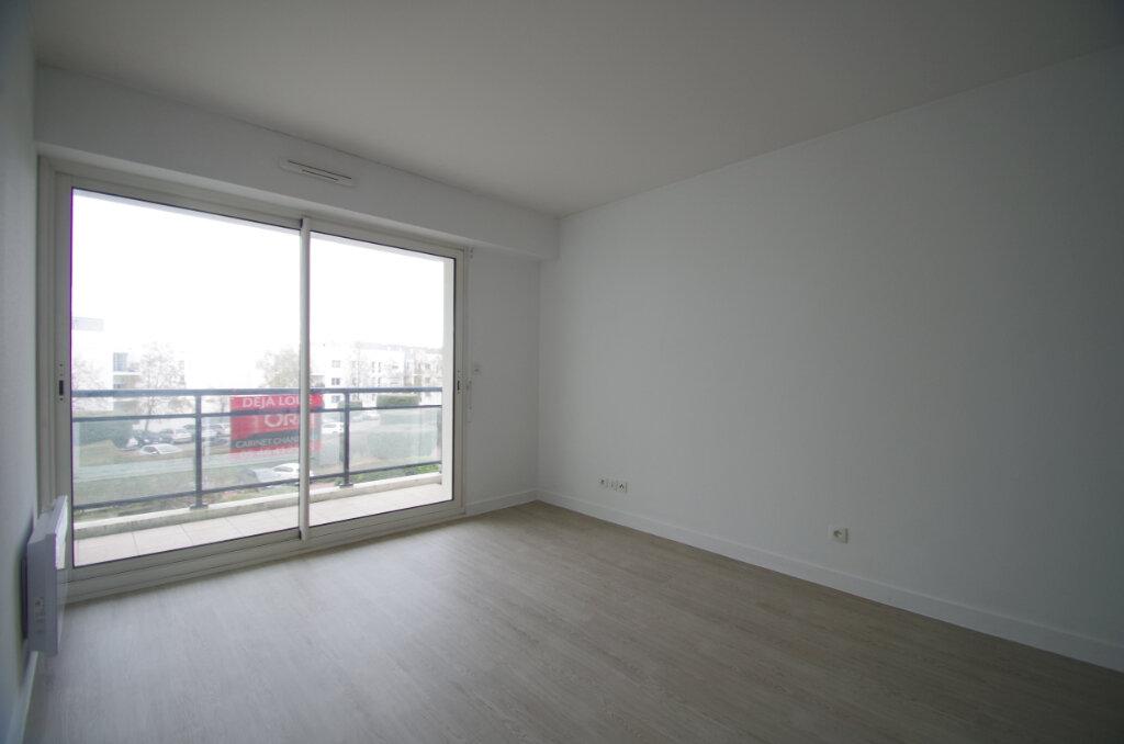 Appartement à louer 2 35.55m2 à La Rochelle vignette-2