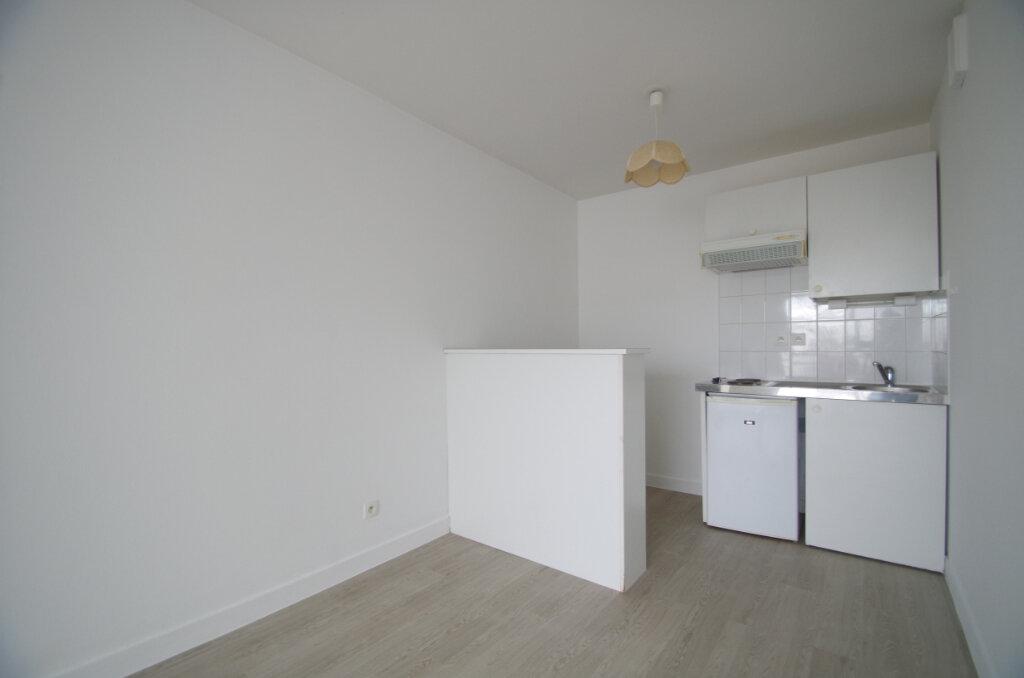 Appartement à louer 2 35.55m2 à La Rochelle vignette-4
