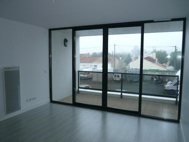 Appartement à louer 2 43.1m2 à La Rochelle vignette-1
