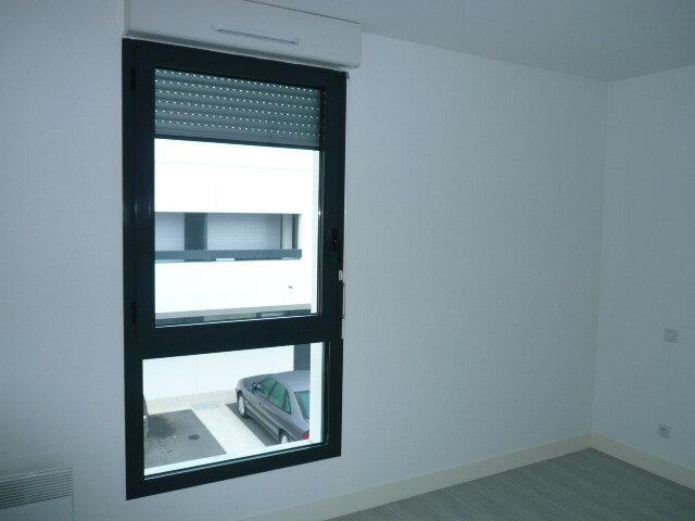 Appartement à louer 2 43.1m2 à La Rochelle vignette-5