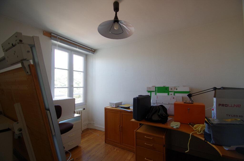 Appartement à louer 3 57.06m2 à La Rochelle vignette-5