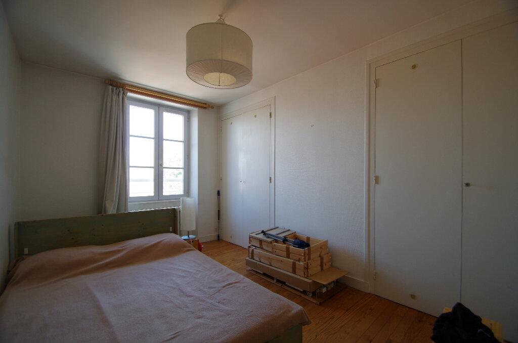 Appartement à louer 3 57.06m2 à La Rochelle vignette-6