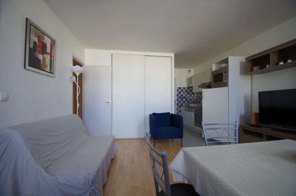 Appartement à louer 2 38.15m2 à La Rochelle vignette-3