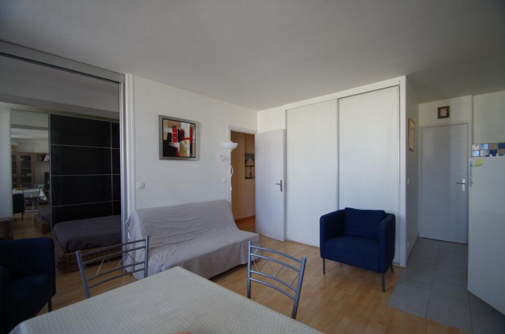 Appartement à louer 2 38.15m2 à La Rochelle vignette-4