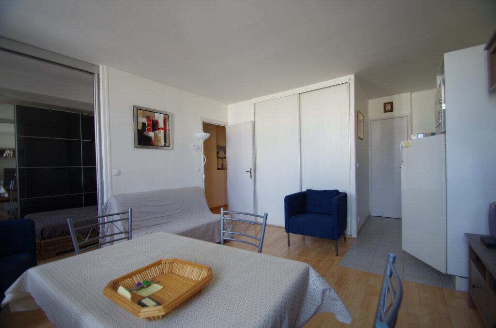 Appartement à louer 2 38.15m2 à La Rochelle vignette-5