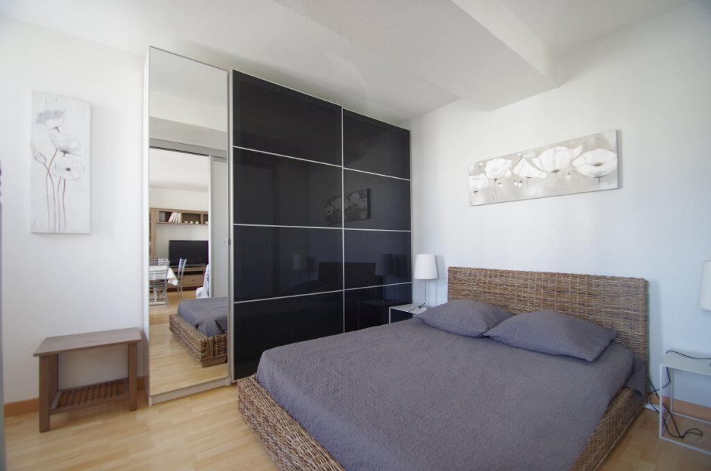 Appartement à louer 2 38.15m2 à La Rochelle vignette-7