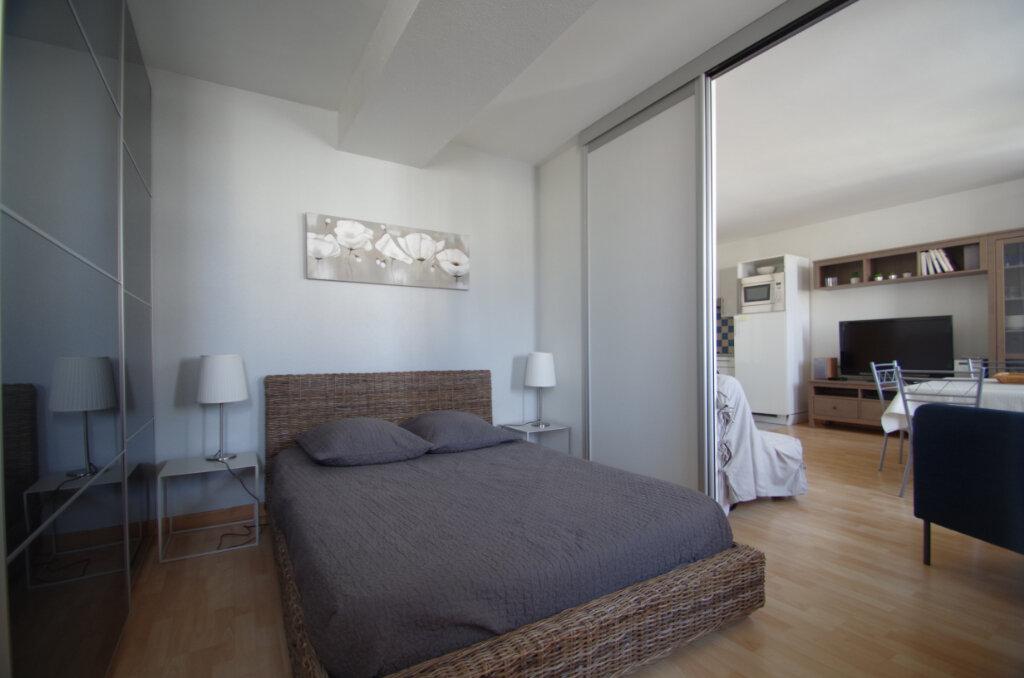 Appartement à louer 2 38.15m2 à La Rochelle vignette-8