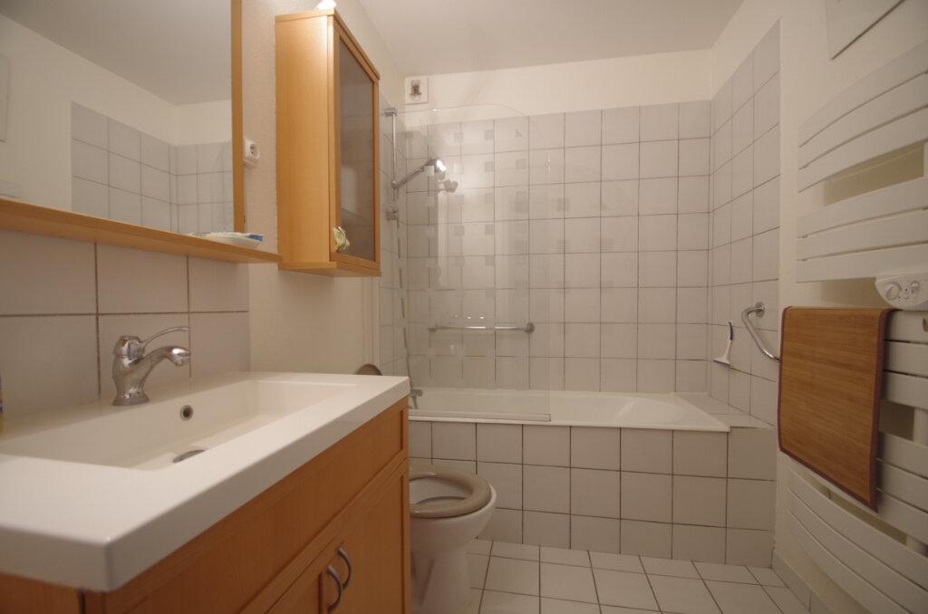 Appartement à louer 2 38.15m2 à La Rochelle vignette-11
