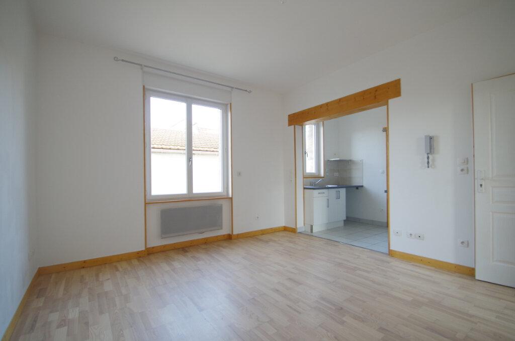 Appartement à louer 2 34.65m2 à La Rochelle vignette-2