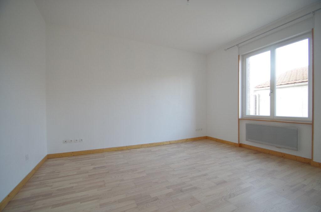 Appartement à louer 2 34.65m2 à La Rochelle vignette-3
