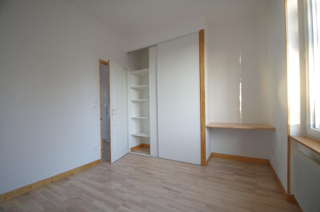 Appartement à louer 2 34.65m2 à La Rochelle vignette-8