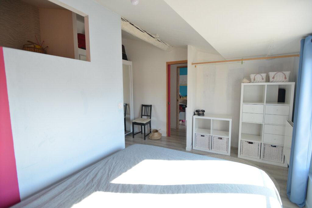 Appartement à vendre 4 73.26m2 à La Rochelle vignette-3