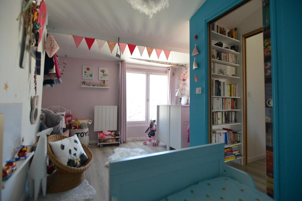 Appartement à vendre 4 73.26m2 à La Rochelle vignette-4