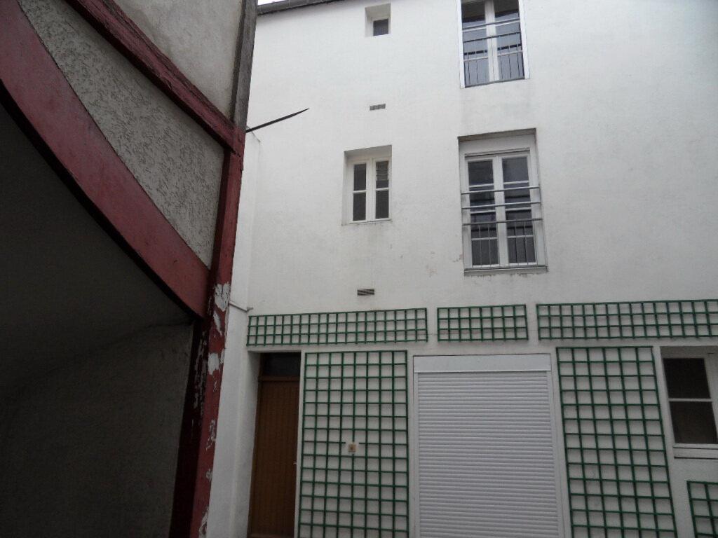Appartement à vendre 3 66.85m2 à La Rochelle vignette-1