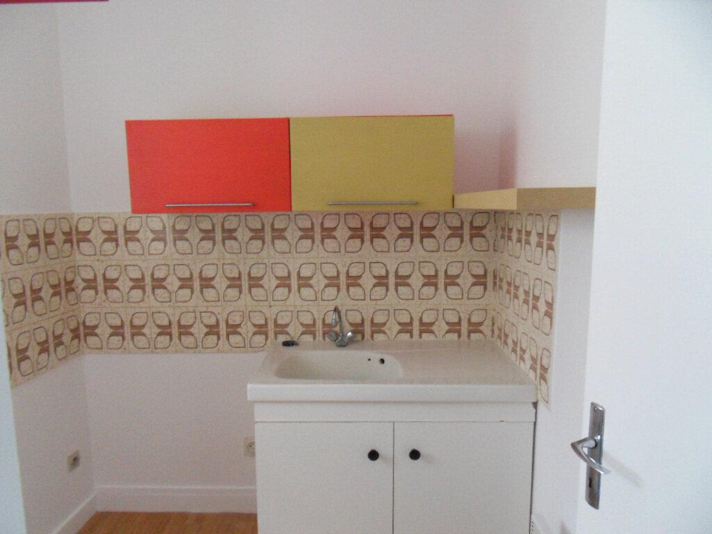 Appartement à vendre 3 66.85m2 à La Rochelle vignette-3