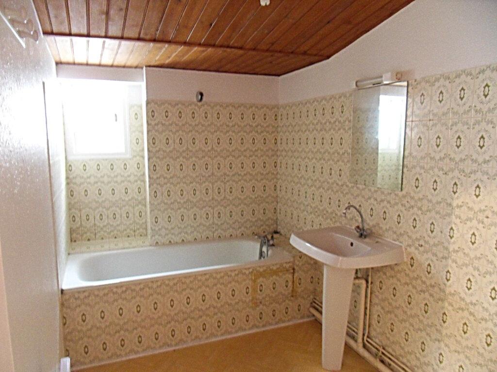 Appartement à vendre 3 66.85m2 à La Rochelle vignette-4