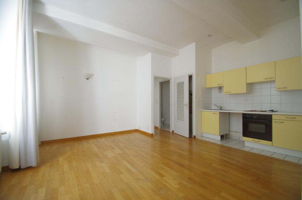 Appartement à louer 2 41.07m2 à La Rochelle vignette-1