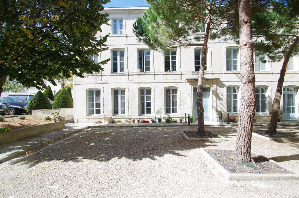 Appartement à louer 2 41.07m2 à La Rochelle vignette-8