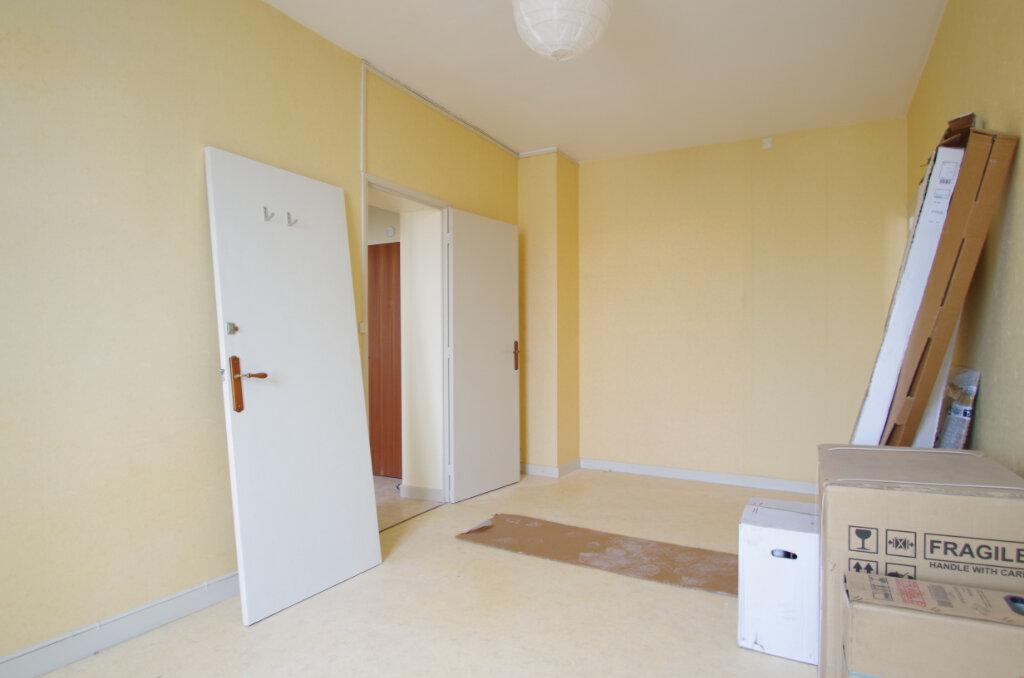 Appartement à louer 2 51.09m2 à La Rochelle vignette-4