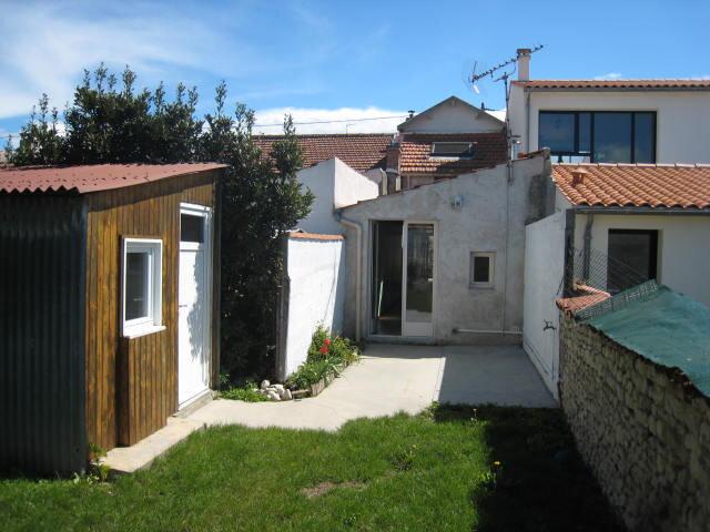 Maison à louer 3 65.75m2 à La Rochelle vignette-1